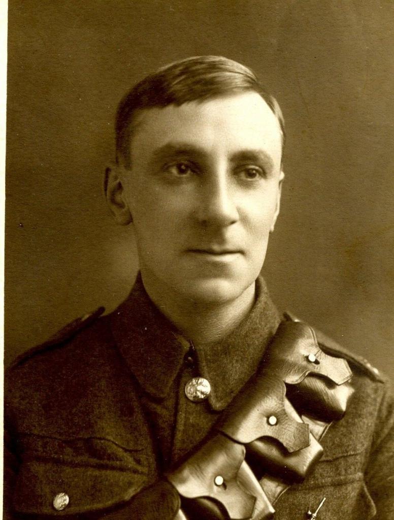 Charles W Pike