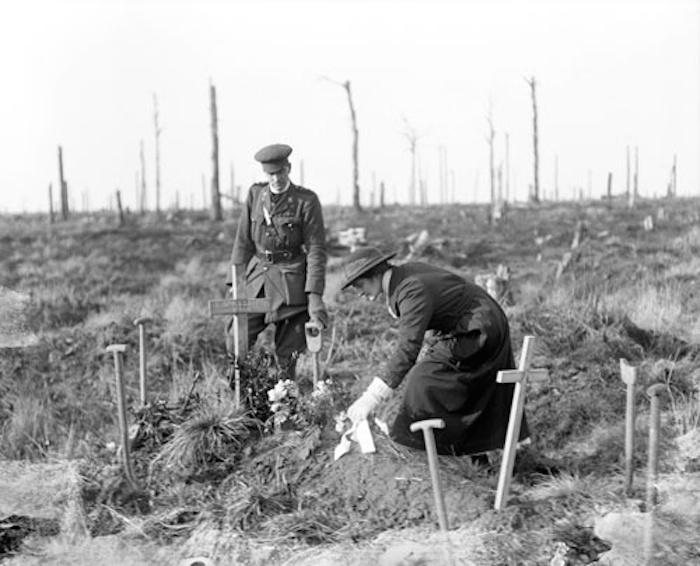 South African nurse laying wreath